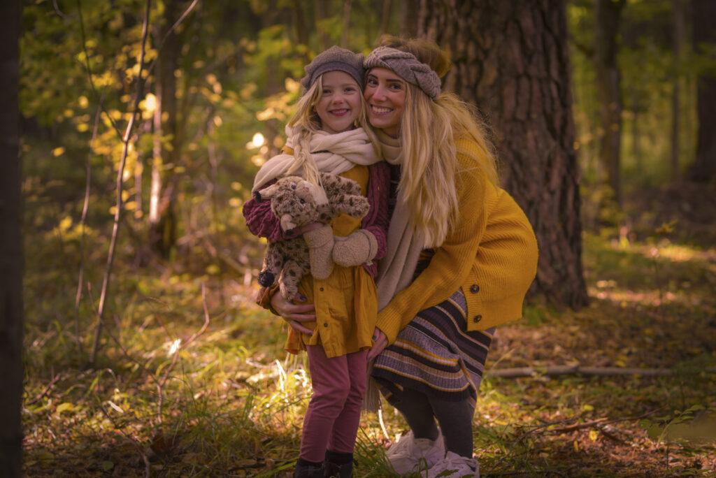 Zoey och Jenny i hösten